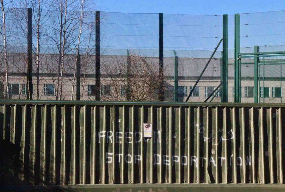Coronavirus : l'office des étrangers refuse une visite parlementaire au centre fermé de Vottem