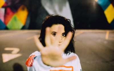 Un outil pour lutter contre les violences faites aux femmes :  la « revisite »